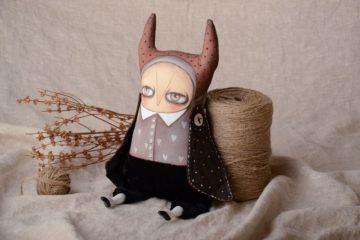 Handmade Kuscheltier Eule aus Textil für Interieur